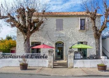 Thumbnail Pub/bar for sale in St-Daunes, Lot, France