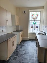 2 bed flat to rent in Cowgate, Dundee DD1