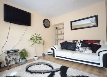 Thumbnail Room to rent in Lyndhurst Road, Tilehurst, Reading