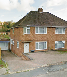 Thumbnail Room to rent in Whitelands Road, High Wycombe