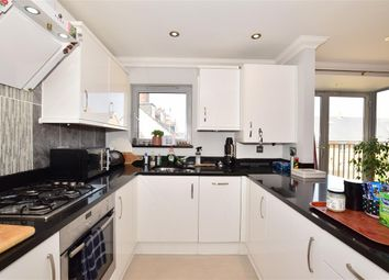 2 bed flat for sale in Orchard Street, Maidstone, Kent ME15