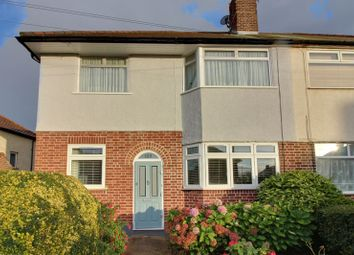 Thumbnail Flat for sale in Canonbury Road, Enfield