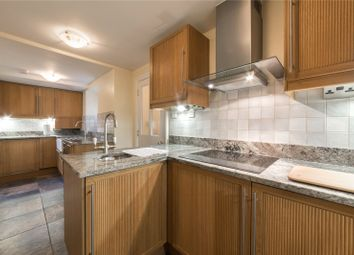 2 bed flat to rent in Camden Road, Camden, London NW1