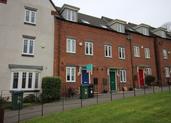 3 bed town house to rent in Kyngston Avenue, West Bromwich B71