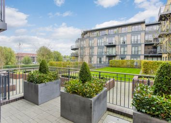 Thumbnail 3 bedroom flat for sale in Kingsley Walk, Cambridge