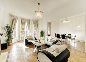 Thumbnail 4 bedroom flat for sale in Campden Hill Court, Campden Hill Road, London