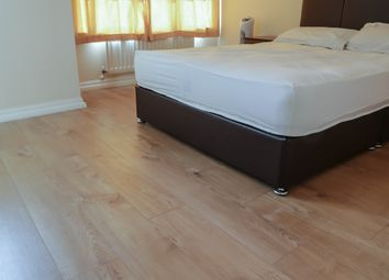 Thumbnail Room to rent in Greenhaven Drive, London