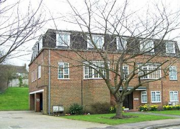 Thumbnail 2 bed flat to rent in Craigmount, Radlett