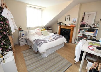 Thumbnail 2 bed flat to rent in Alexandra Grove, London