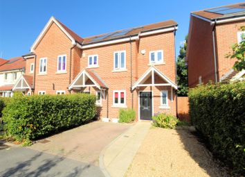 3 bed town house for sale in Chandlers Close, Woking GU21