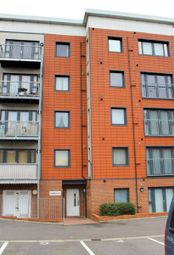 Thumbnail 2 bedroom flat to rent in West Street, Erith