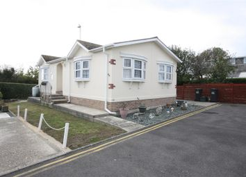 Thumbnail 2 bed mobile/park home for sale in Cerne Villa Park, Chickerell Road, Chickerell, Weymouth