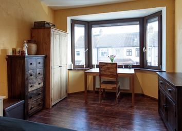 Thumbnail Room to rent in Rainsford Way, Hornchurch