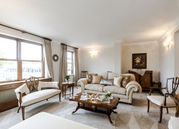 Thumbnail 4 bed flat to rent in Ennismore Gardens, London