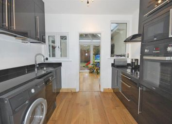 Thumbnail 2 bedroom property to rent in Kingsley Road, London