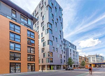 Luxe Tower & Eastlight Apartments, 18 Dock Street, London E1. 3 bed flat