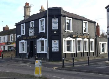Thumbnail Pub/bar for sale in Faringdon Road, Swindon