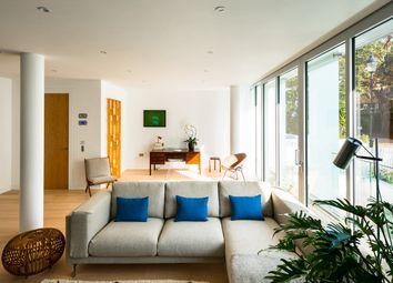 Thumbnail 3 bed flat for sale in Barnsbury Square, London