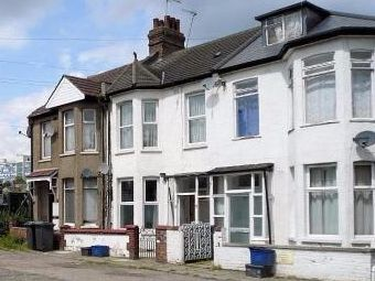 Thumbnail 2 bed flat to rent in Nursery Avenue, Finchley Central, London