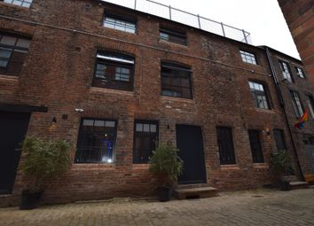 Thumbnail 2 bed mews house to rent in Blayds Yard, Leeds