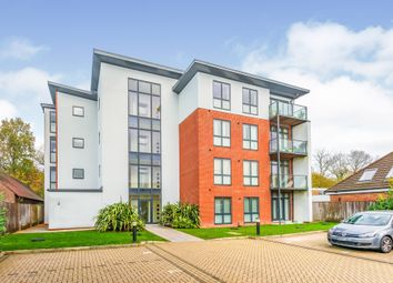 Station Road, Burgess Hill RH15. 2 bed flat for sale