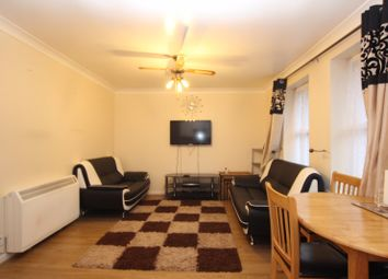 Thumbnail 2 bed flat to rent in Westbourne Court, Reading