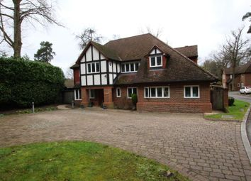 Thumbnail 5 bed detached house to rent in Golf Club Road, Hook Heath, Woking