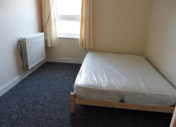 Thumbnail 1 bedroom property to rent in Bilton Road, Rugby