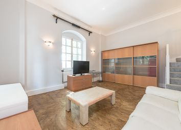 Thumbnail 1 bedroom flat to rent in Rosebery Avenue, London