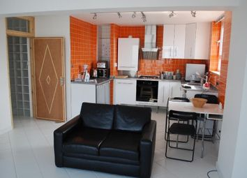 Thumbnail 1 bed flat to rent in Lewisham Park, London