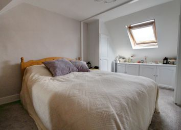 Thumbnail 2 bed cottage for sale in Oak Lane, Windsor