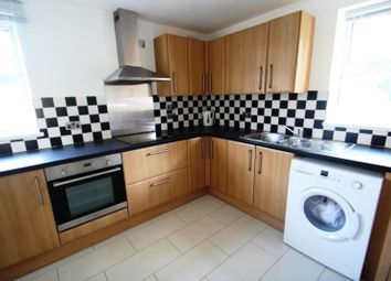 Thumbnail 2 bedroom flat to rent in Barley Close, Southgate, Crawley