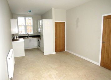 2 bed flat to rent in Grand Parade, High Street, Crawley RH10