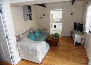 Thumbnail 2 bed cottage to rent in Grosvenor Rise East, Walthamstow