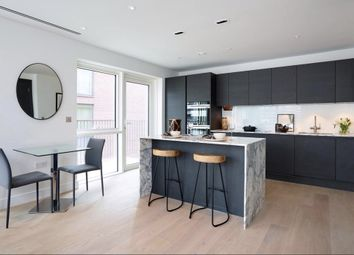 Thumbnail 2 bed flat for sale in Park Street, Chelsea