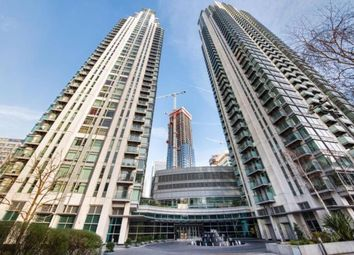 2 bed flat to rent in Canary Wharf, South Quay E14