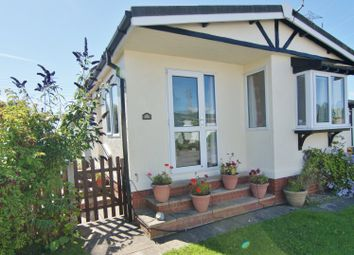 Thumbnail 2 bedroom mobile/park home for sale in Greenfield Park, Freckleton, Lancashire