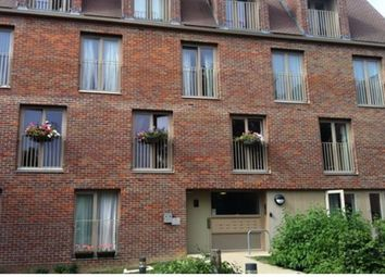 Thumbnail 2 bed flat to rent in Grover Close, Hemel Hempstead