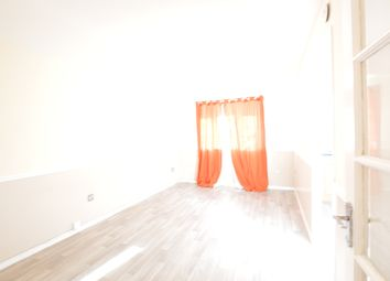 Thumbnail 1 bed flat to rent in Bridge Road, Grays
