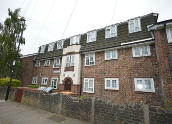 Thumbnail 2 bed flat for sale in Holborn Road, London