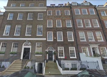 3 bed maisonette to rent in Kensington Square, London W8