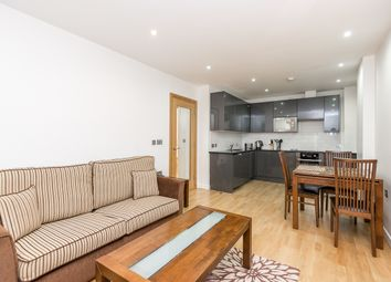 Thumbnail 1 bed flat to rent in Earl's Court Road, Earls Court