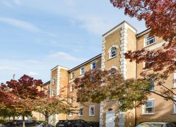 Clarence Mews, London SE16. 2 bed flat for sale          Just added