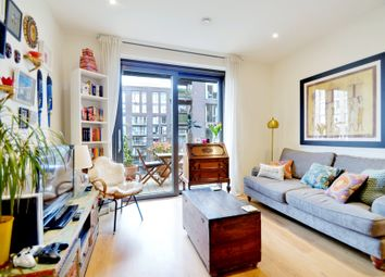 New Mill Road, London SW11. 1 bed flat for sale