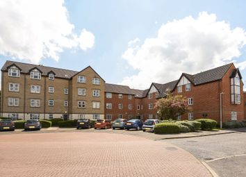 Thumbnail 2 bedroom flat for sale in Charnwood House, Reading