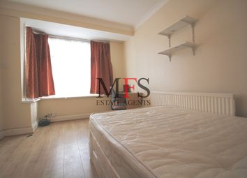 4 bed terraced house to rent in Royal Lane, Hillingdon UB8