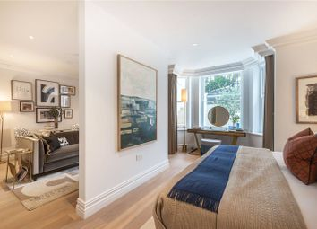 Thumbnail 1 bed flat for sale in Vicarage Gate, Kensington, London