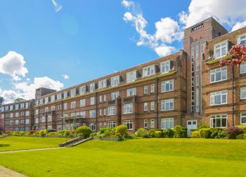 Thames Eyot, Twickenham TW1. 1 bed flat for sale