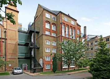 Thumbnail 2 bed flat to rent in Chequer Court, 3 Chequer Street, London