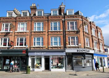 Thumbnail 2 bed flat to rent in Sterling Buildings, Carfax, Horsham
